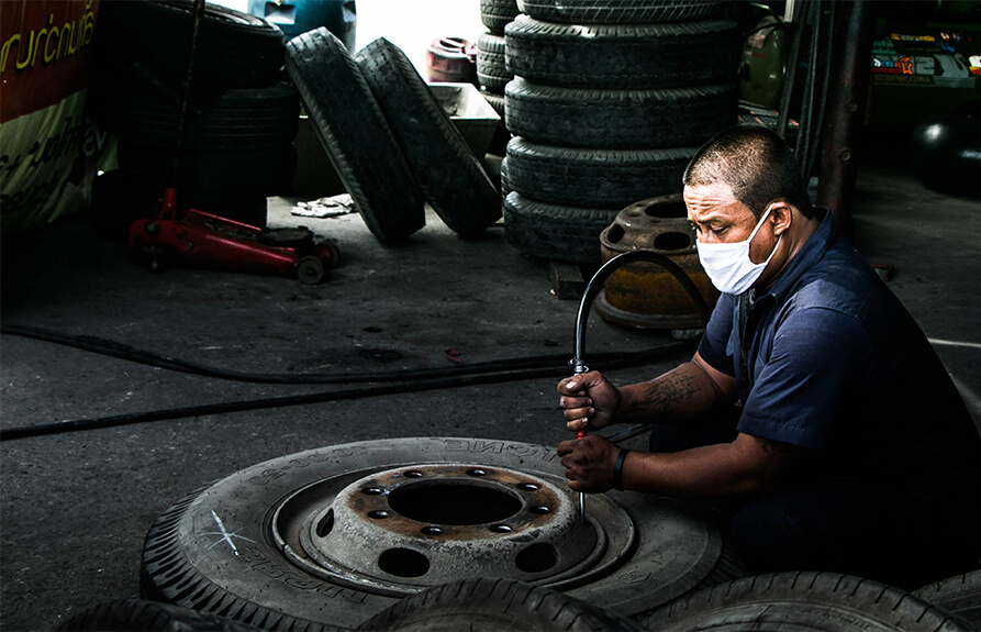 Working of our mechanic at Revolution Motorhomes