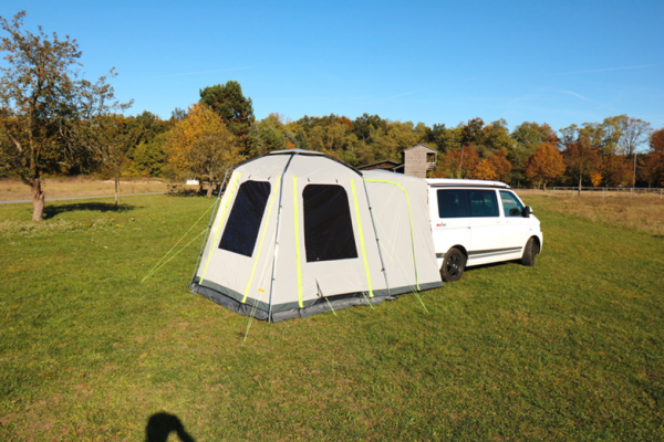 Rear tent with tinted windows for motorhomes