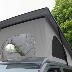 Rear tent with folding roof in motorhome