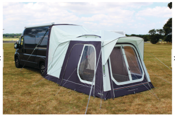 Rear tent with air pump
